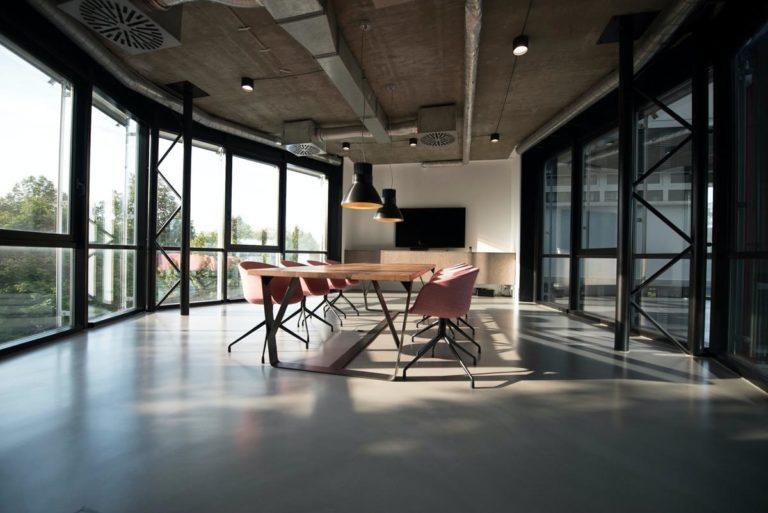 Zastanawiasz się nad wynajęciem powierzchni biurowej?